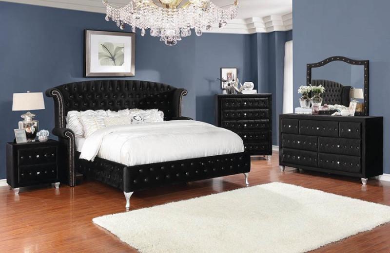 206101Q 5 pc Deanna black velvet upholstered queen padded bed set