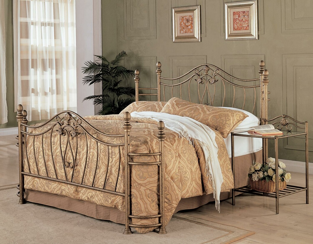 300171Q Antique brush gold finish metal queen wrap around headboard and footboard set