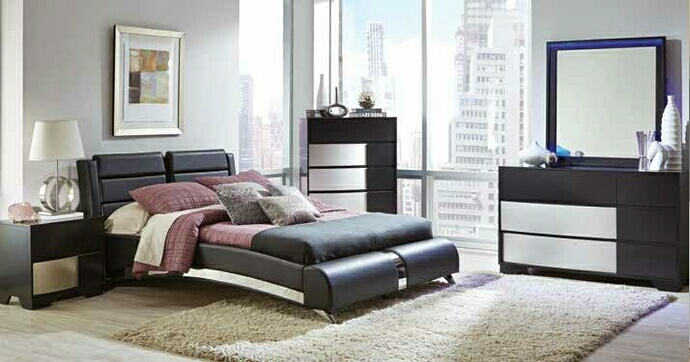 CST300350Q5pc 5 pc Havering II collection black and sterling finish wood with padded accents bedroom set