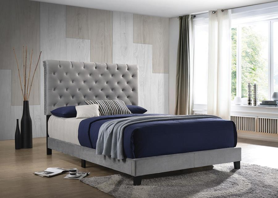 310042Q Mercer 41 velero grey velvet fabric button tufted headboard queen bed set