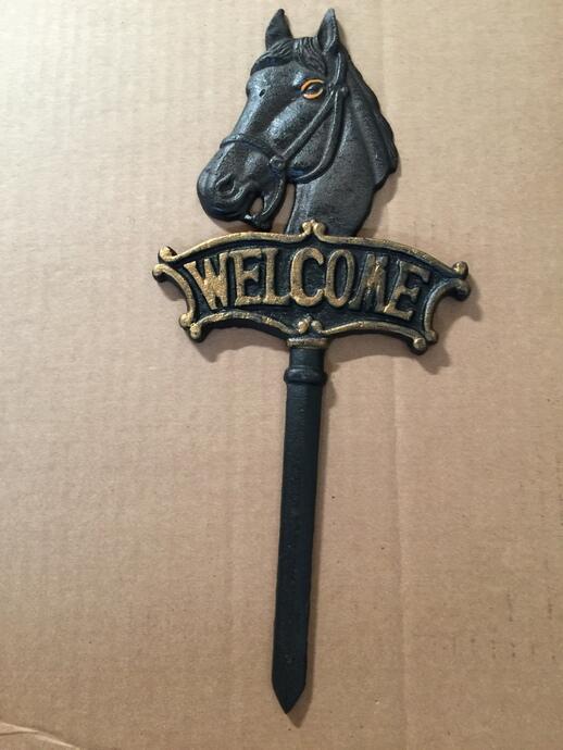 "Chibp-2974-16 Chibp-2974-16, Cast Iron black horse welcome garden stake, 6""x13"""