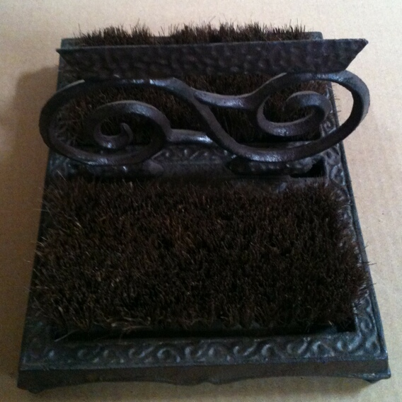 cg-1114 Cast iron swurll shoe brush