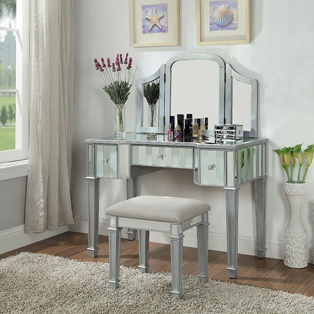 CM-DK6361SV 3 pc Rosdorf park fleeton cyndi silver finish wood make up bedroom vanity set