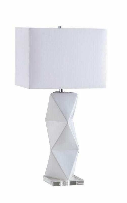 902937 White geometric ceramic base table lamp with white shade