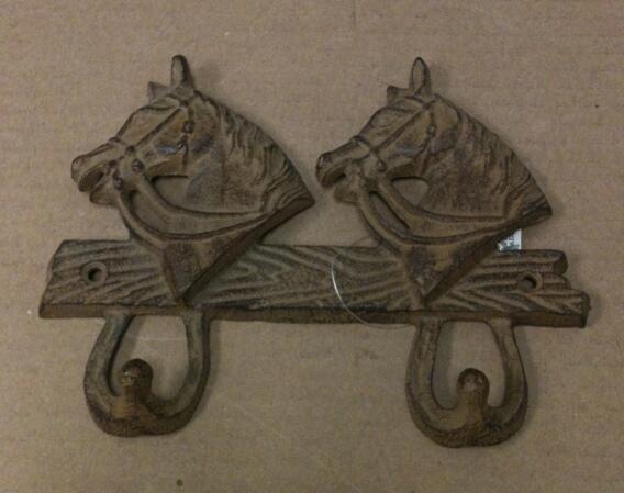 Cast iron double horse hook wall hanger