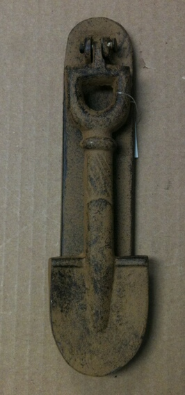 Cast iron antique brow/rust garden shovel door knocker
