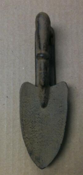 Cast iron garden shovel door knocker