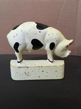 "Cd-1382, cast iron black and white pig garden accessory, 8""x6"""