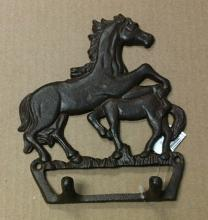 Cast iron 2 horses double hook wall hanger