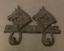 Cast iron double horse hook wall hanger